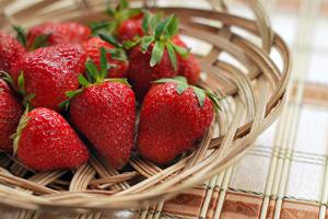 Manger une fraise pour perdre du gras