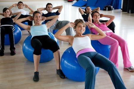 Exercice Pilates ballon